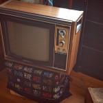 Старый телевизор в качестве декора