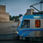 Метротрамвай Т4 и Стена